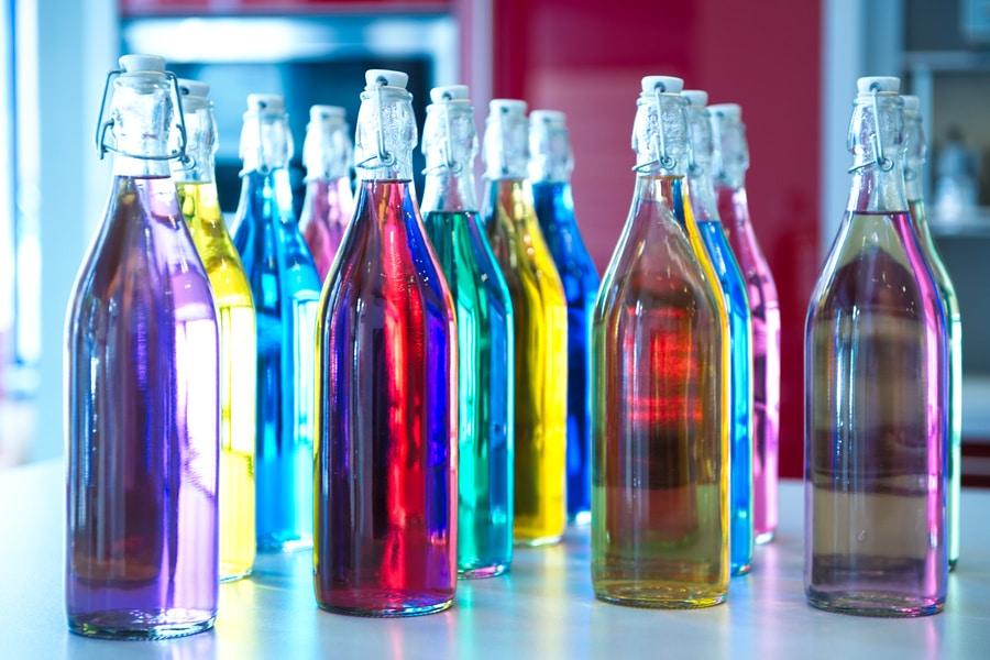 Bouteilles de couleurs