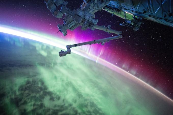国際宇宙ステーションへの旅行(2001年に実現済み)