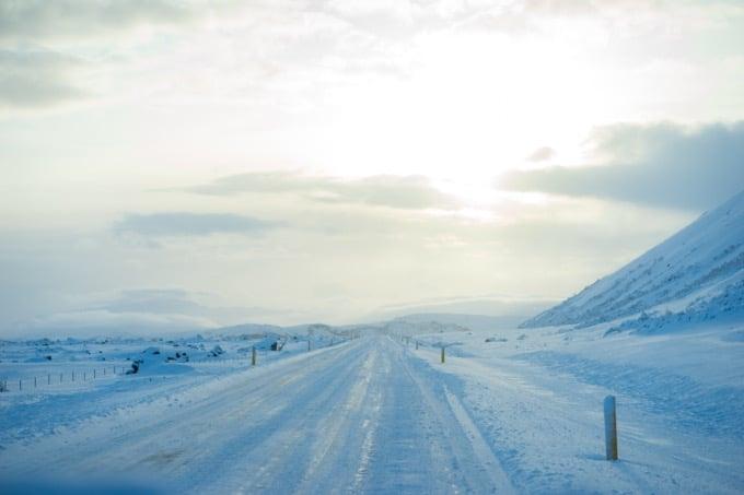 運転は雪道に慣れている人を