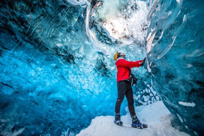氷の洞窟の魅力