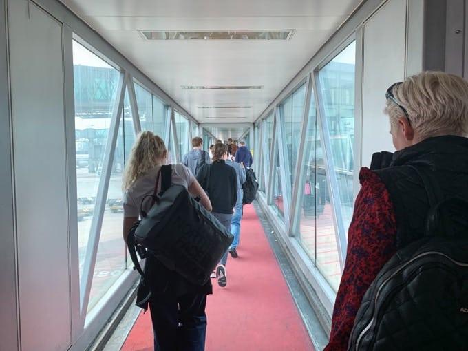 機内から北京空港に降り立つ