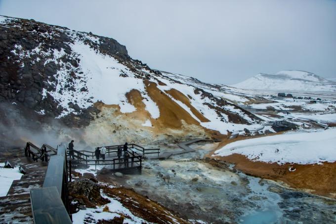 地獄谷のような「Krysuvik Geothermal Area」