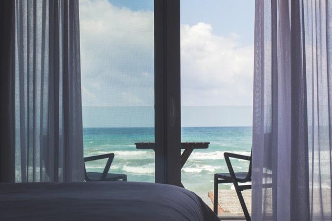 海外旅行先のホテル代を安くする9つの方法