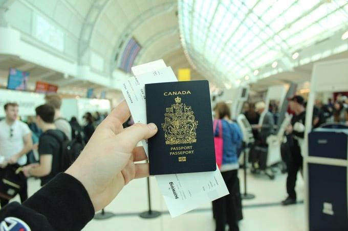 補足:パスポートは持ち歩かないという方法もある