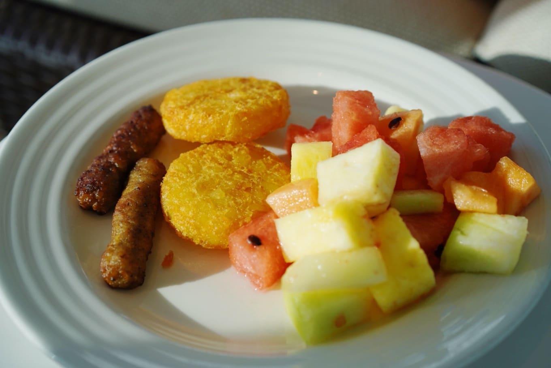 クルーズ船内の朝食