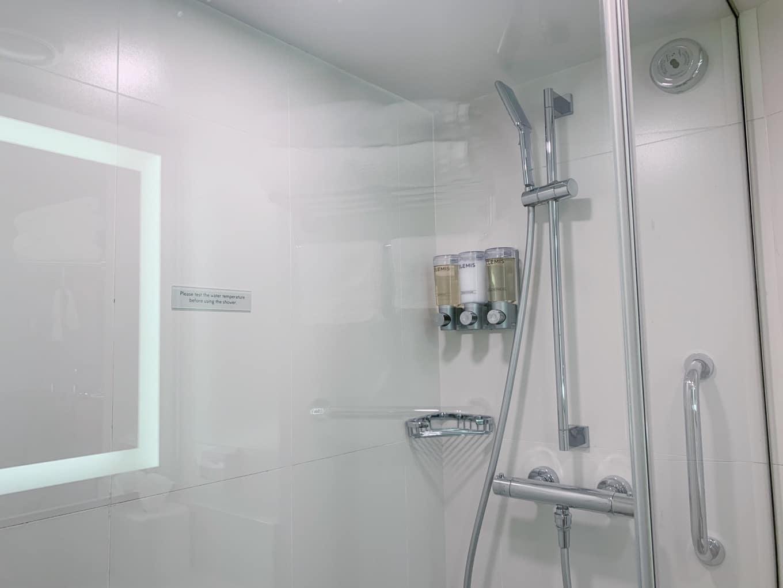 シャワーの水圧は十分