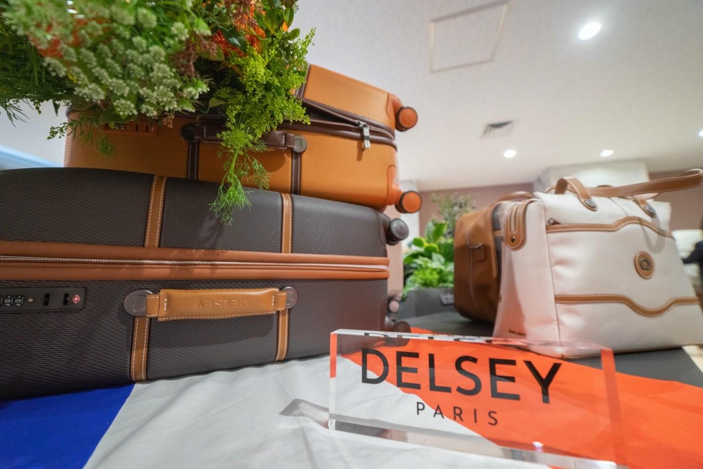 DELSEYスーツケース
