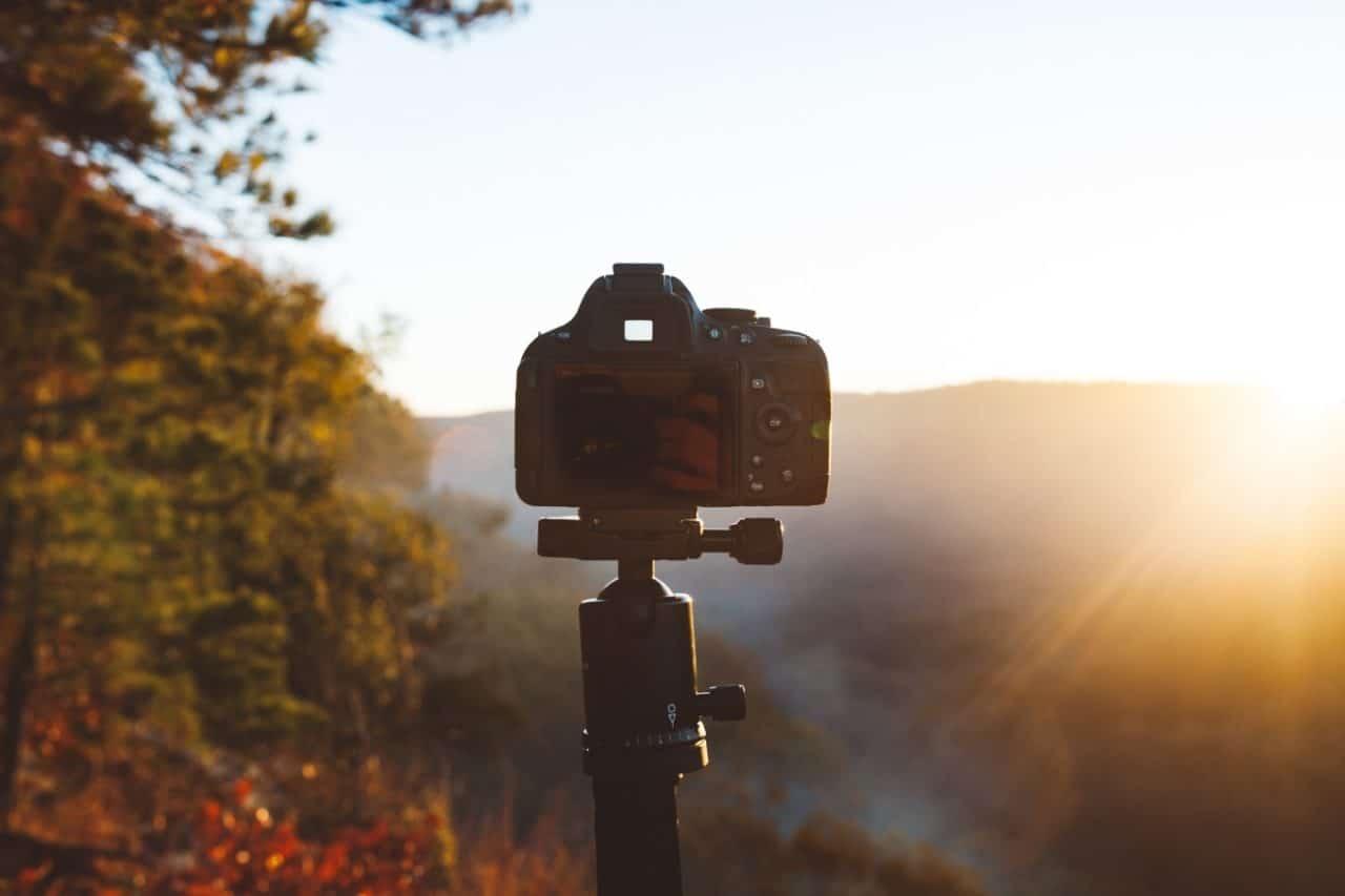旅行先で「光を捉える」カメラの使い方