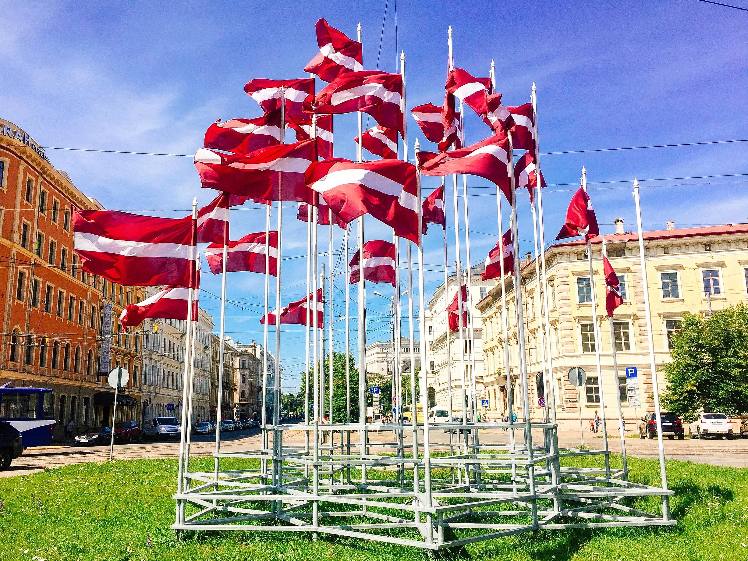 ラトビア国旗