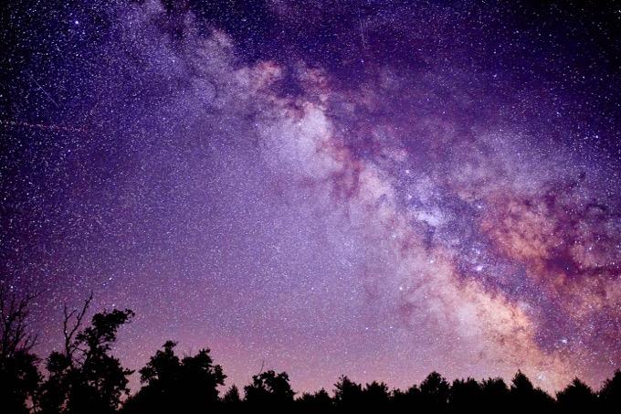 宇宙に関する10の謎を解説