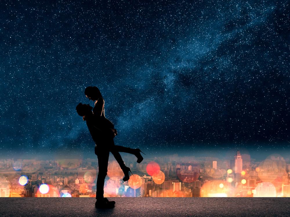 6つの言語で「世界で一番綺麗な星を見つけた、それは君だよ」